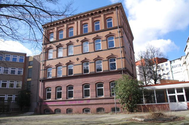 Altes Schulgebäude II